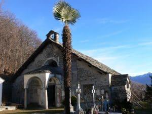 chiesa vecchia e cimitero Viggiona TCV